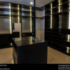Dressing room by Excelencia en Diseño