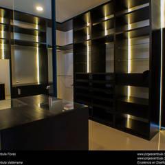 رختکن by Excelencia en Diseño