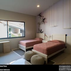 Girls Bedroom by Excelencia en Diseño