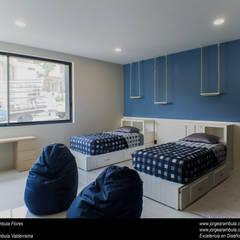 Casa N1: Recámaras para niños de estilo  por Excelencia en Diseño