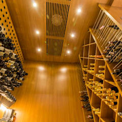 Wine cellar by C2HA Arquitetos, Rustic Wood Wood effect