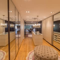 Dressing room by C2HA Arquitetos