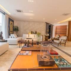 Residencia em Tamboré - SP Salas de estar rústicas por C2HA Arquitetos Rústico
