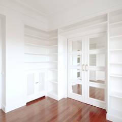 REFORMA JBR - despacho: Estudios y despachos de estilo  de fic arquitectos