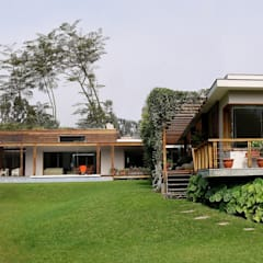 CASA DE CAMPO: Casas de madera de estilo  por SERZA ARQ CONSTRUCTION SAC