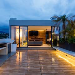بالکن،ایوان وتراس by TARE arquitectos