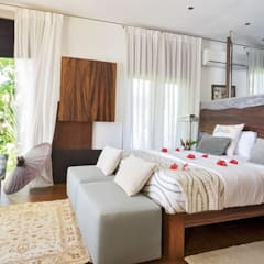 Marble Stone Mosaic Tile:  Small bedroom by Lux4home™ Indonesia
