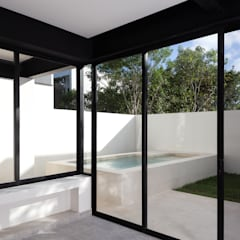 de sala a alberca: Albercas de jardín de estilo  por studio arquitectura | Despacho de arquitectos | Cancún