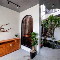 أبواب زجاجية تنفيذ Mét Vuông