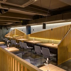 REBERBAR pub interior: Ресторации в . Автор – YUDIN Design