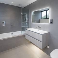 Stamford, Lincolnshire:  Bathroom by NGI Design Ltd