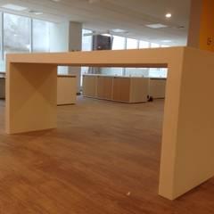 Edificios de Oficinas de estilo  por TONINO