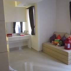 Sudirman Suite Tipe Studio:  Koridor dan lorong by POWL Studio
