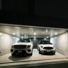Garage/shed by 株式会社横山浩介建築設計事務所, Modern