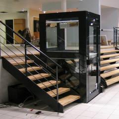 Outras soluções de acessibilidade: Escadas  por Liftech, S.A,