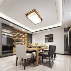 غرفة الطعام:  غرفة السفرة تنفيذ Luxury Solutions