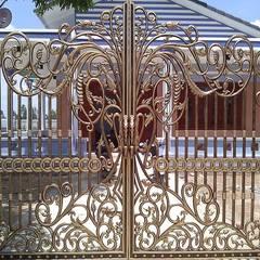 Cách chọn lựa cổng nhôm đúc cho phù hợp:  Cửa trước by CÔNG TY CỔ PHẦN SẢN XUẤT HOÀNG GIA HÀ NỘI