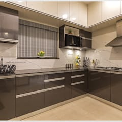 Kitchen units by GREEN HAT STUDIO PVT LTD