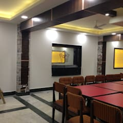 Panchratan Restaurant :  Dining room by Style My Space by Dori