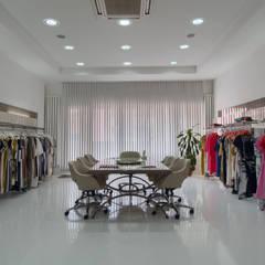 ARTERRA MİMARLIK LTD.ŞTİ. – Salkım Tekstil Mağaza Projesi / Salkım Textile Shop Project:  tarz Ofisler ve Mağazalar