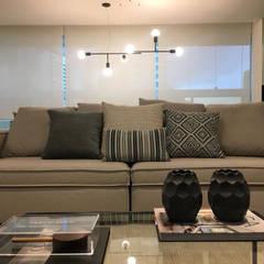 Moderne Wohnzimmer von Maria Laura Coelho Modern