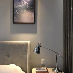 Moderne Schlafzimmer von Maria Laura Coelho Modern