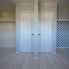 Dormitorios infantiles de estilo  por Home Plan Kiyotake 一級建築士事務所 ㈱清武建設