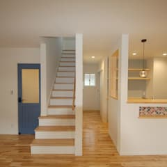 غرفة المعيشة تنفيذ Home Plan Kiyotake 一級建築士事務所 ㈱清武建設