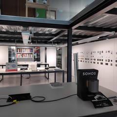 Nuestra tienda física: Estudios y despachos de estilo  de Ses Iluminación
