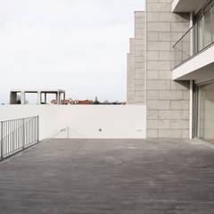 Terraço: Terraços  por PortoHistórica Construções SA