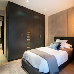 Small bedroom by Contexto Arquitectos