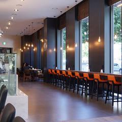 amanti Hotel seoul. 1f Kitchen amanti Restaurant: 피투엔디자인  _____  p to n design의  호텔