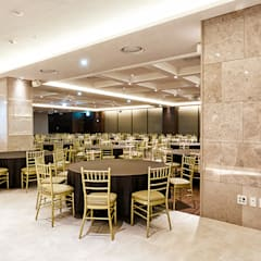 B1F Buffet & Banquet-room: 피투엔디자인  _____  p to n design의  호텔