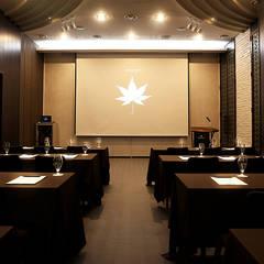1F Banquet-room: 피투엔디자인  _____  p to n design의  호텔