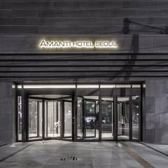 1F Main Entrance: 피투엔디자인  _____  p to n design의  호텔