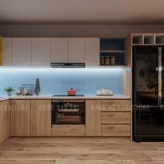 Hệ thống tủ bếp hình chữ L hiện đại:  Nhà bếp by Công ty TNHH Nội Thất Mạnh Hệ