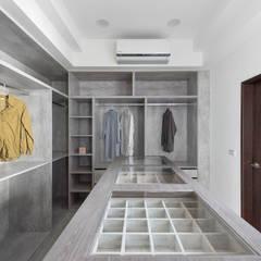 Ruang Ganti oleh 禾廊室內設計