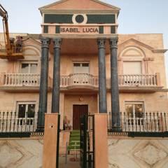 Resultado de la reforma: Casas de estilo  de Construcciones en Badajoz Pedro Flecha