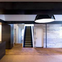 Industrieel interieurontwerp voor Kantoor Bebeka in Groningen Industriële kantoorgebouwen van Denk Ruim Over Interieur Industrieel Massief hout Bont