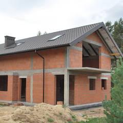 Dom w Konstantynowie Łódzkim - Dziektarzew, łódzkie: styl , w kategorii Dach zaprojektowany przez Budownictwo i Architektura Marcin Sieradzki - BIAMS