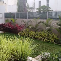 Bāgh Burle-Marxii:  Front yard by Baghorama Landscape Architects