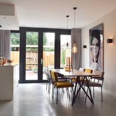 Woonhuis Amstelveen Scandinavische eetkamers van Atelier09 Scandinavisch