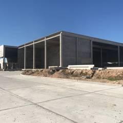 Planta Industrial en Pilar : Casas de estilo  por Arq. Fernando Rodriguez & Asociados