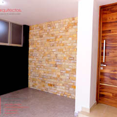 Conjunto Vivienda y Comercio, Covarrubias Huerta: Puertas de estilo  por 810 Arquitectos