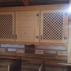 Dost ahşap – Tomruk evler:  tarz Küçük Mutfak