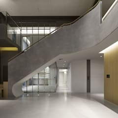ShinTien Residence 新店住宅:  客廳 by  何侯設計   Ho + Hou Studio Architects ,