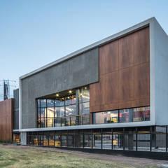 من HADVD Arquitectos صناعي