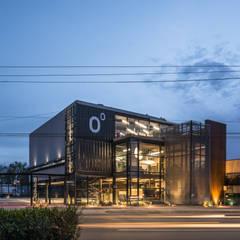 Coordenada: Estudios y oficinas de estilo  por HADVD Arquitectos