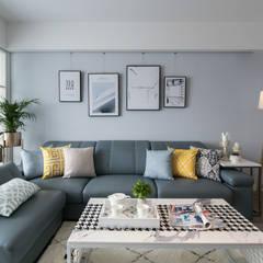 湖畔衫色:  客廳 by 北歐制作室內設計
