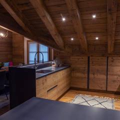 Casa Maloja: Cucina in stile  di BEARprogetti - Architetto Enrico Bellotti